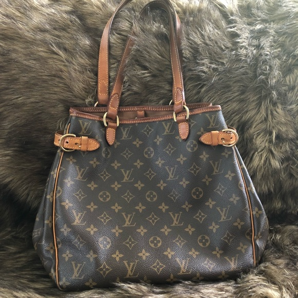 Louis Vuitton Handbags - 💯 Louis Vuitton Batignolles shoulder bag